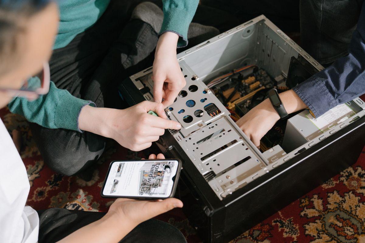 Как отслеживать данные системы компьютера со смартфона