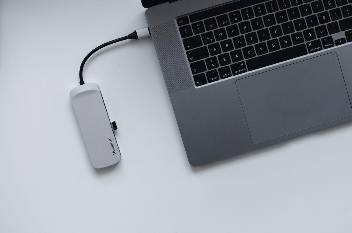 Как автоматически отключить USB-устройство при гибернации Mac