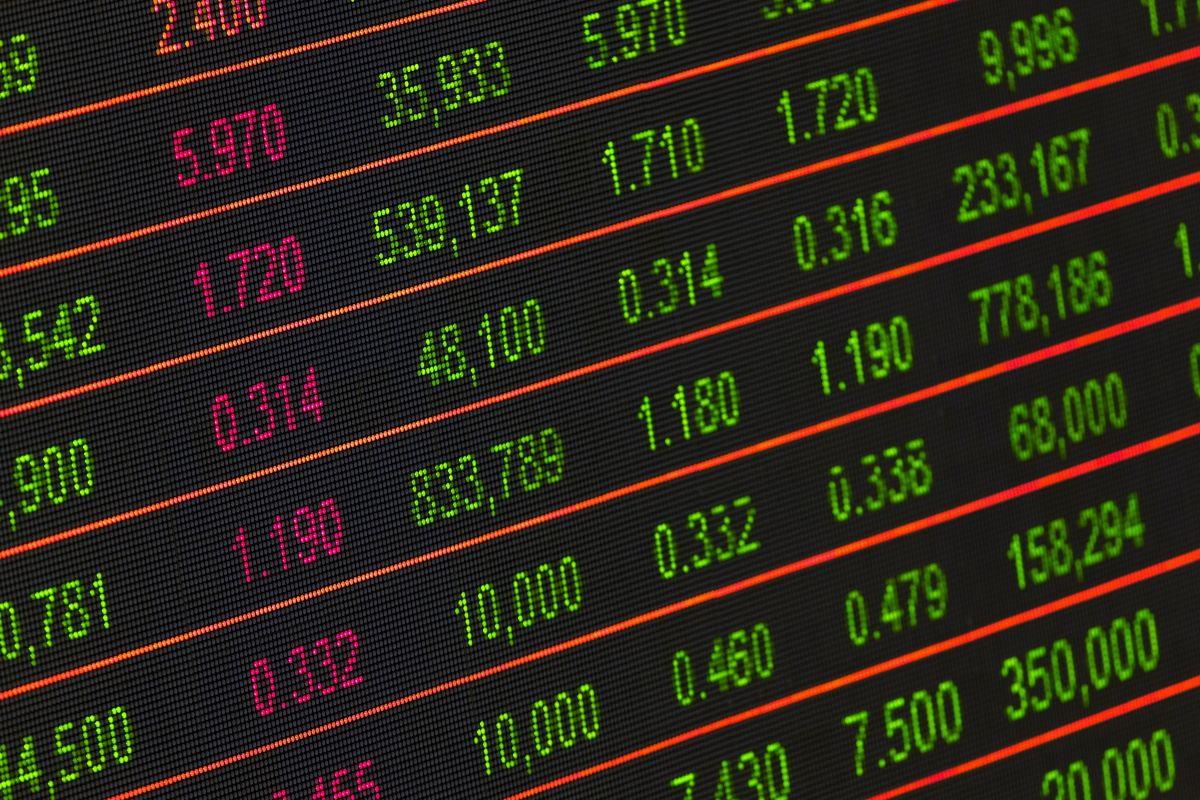 Обзор StockSpy. Приложение для мгновенного отслеживания курса акций