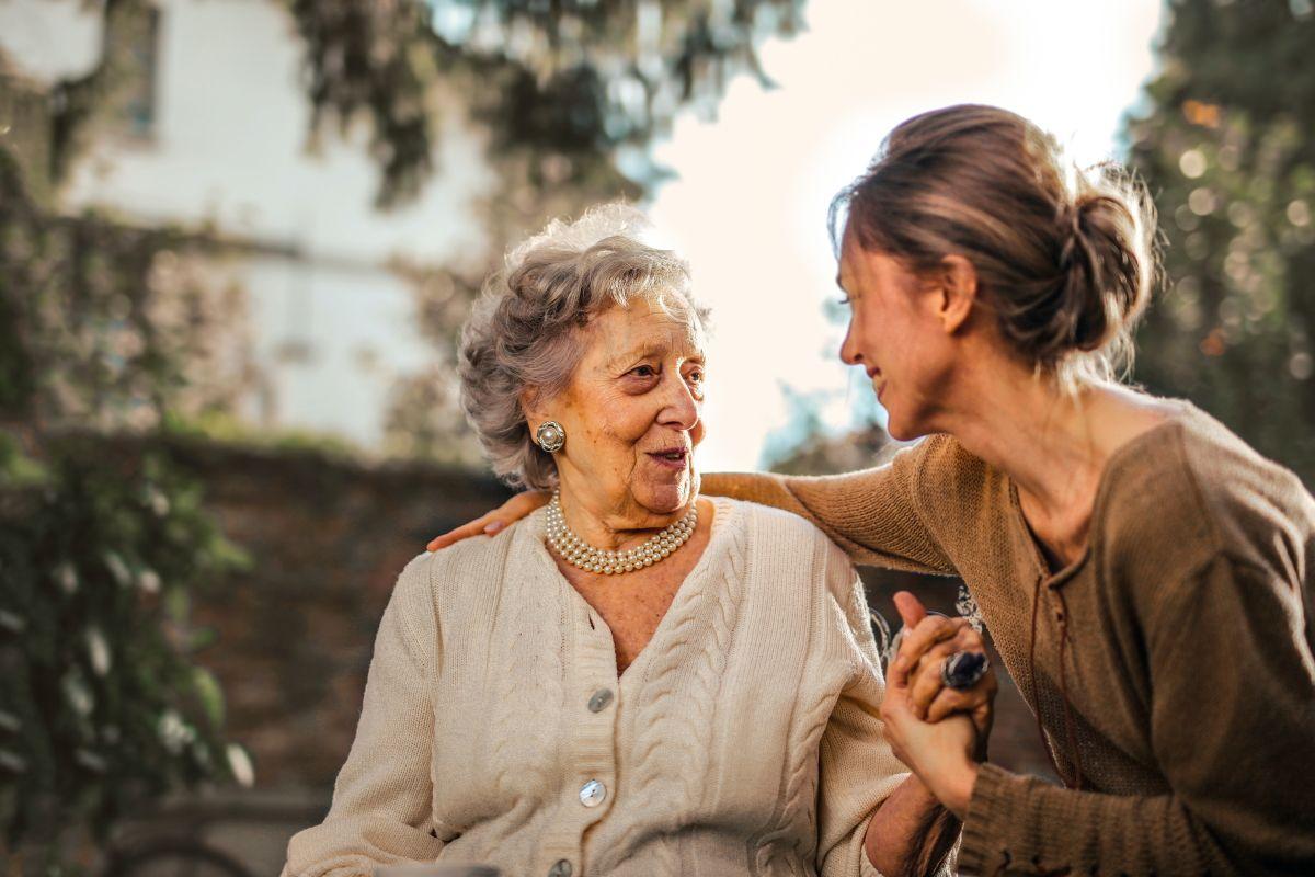 Обзор ПОМОЩЬ. Как помочь нуждающимся пожилым людям
