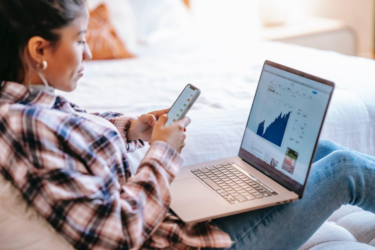 9 приложений, которые помогут отслеживать курс акций