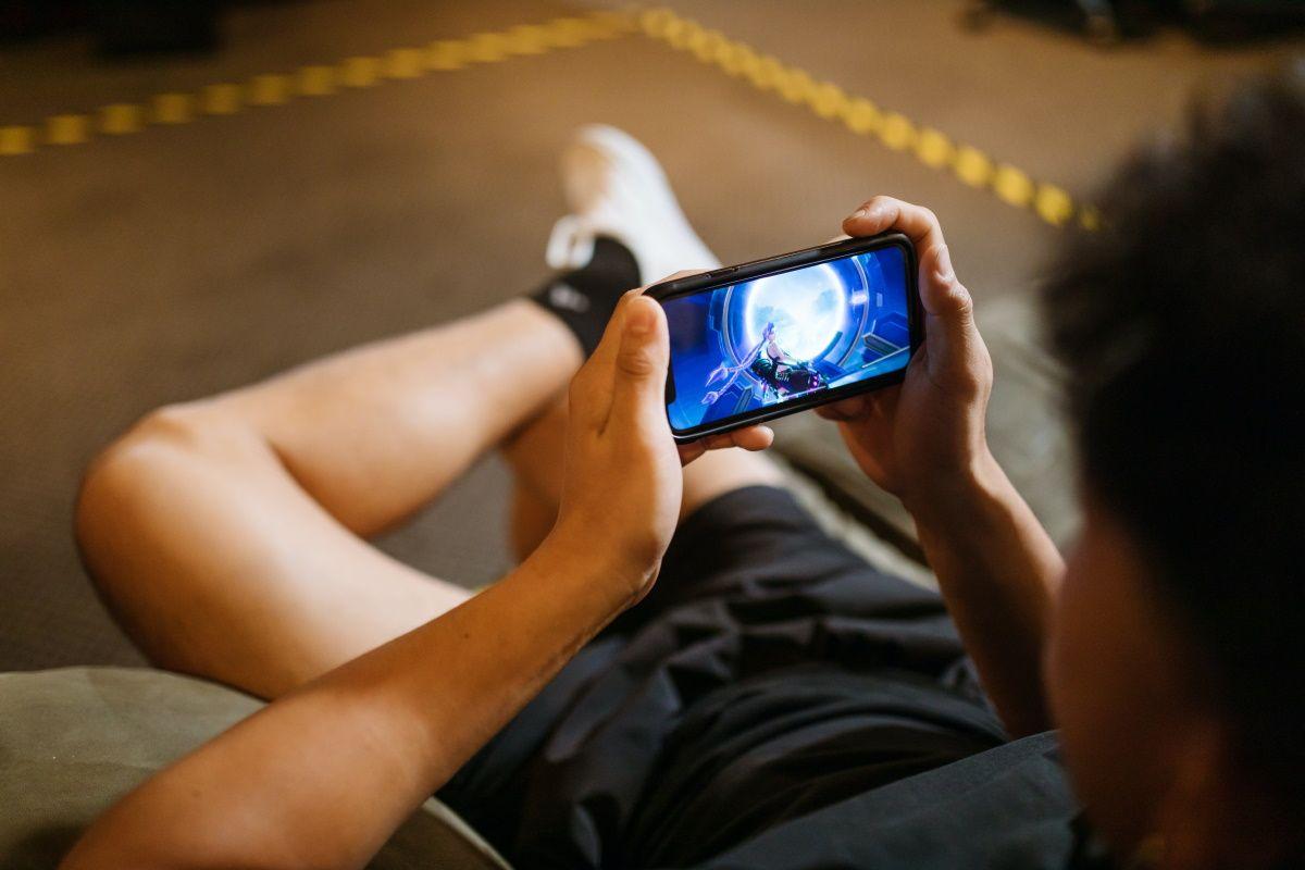 Как сделать из обычного смартфона настоящую игровую приставку
